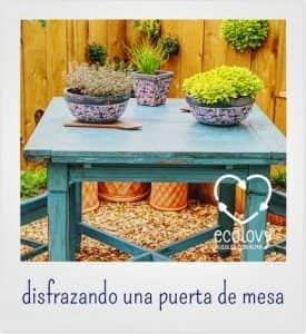 mesa con flores para la decoración de jardines con madera reciclada