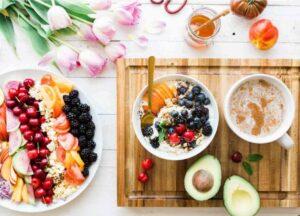 Una alimentación saludable es básica para una vida sana