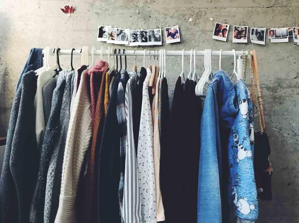 Reciclar ropa es una tendencia de moda ecológica