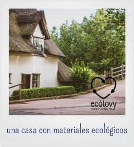 casa ecológica rodeada de naturaleza