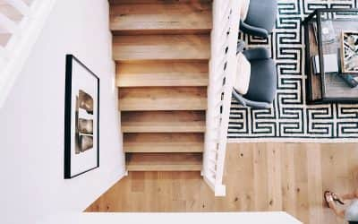 Ideas para decorar el descansillo de una escalera