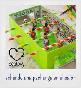 juguetes y objetos hechos con material reciclado